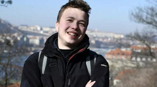 Белорусский политолог покинул страну после инцидента с Ryanair