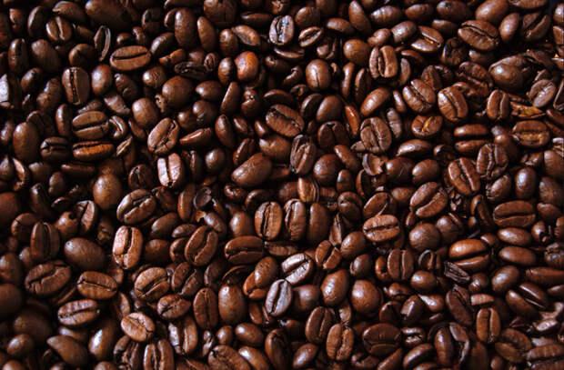 Сыпем зерна кофе в мельницу для перца: хитрости поваров