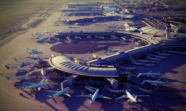 В России 44 аэропорта получили имена выдающихся Россиян