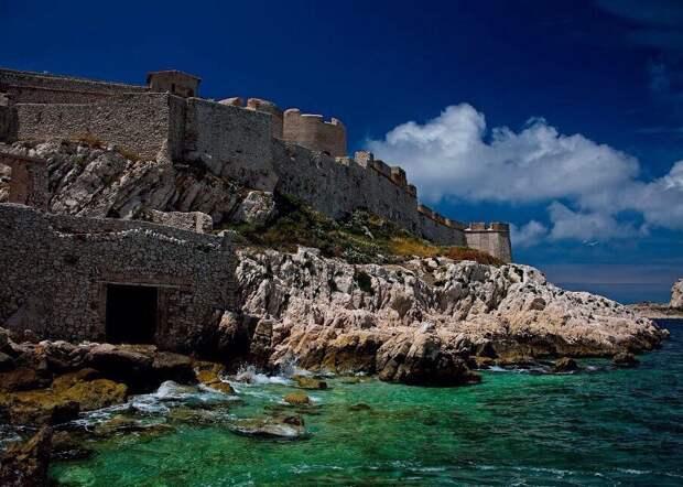 Замок Иф - тюрьма графа Монте-Кристо
