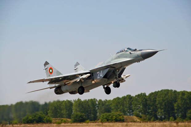 Болгарский истребитель МиГ-29 рухнул в Чёрное море