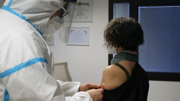 На украинцах испытывают побочки вакцины из Индии: Остальное за денежку