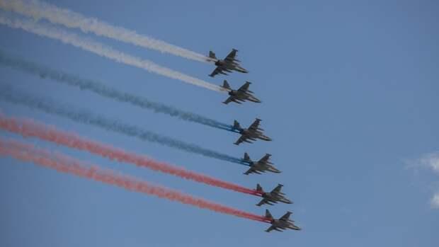 Парад Победы в Москве завершил пролет штурмовиков Су-25БМ