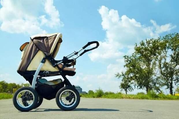 Россиянин украл детскую коляску и скрылся на ней с места преступления