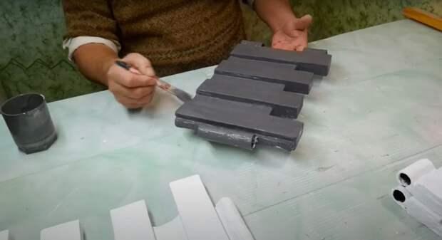 Прелестный заборчик из пластиковых ящиков своими руками