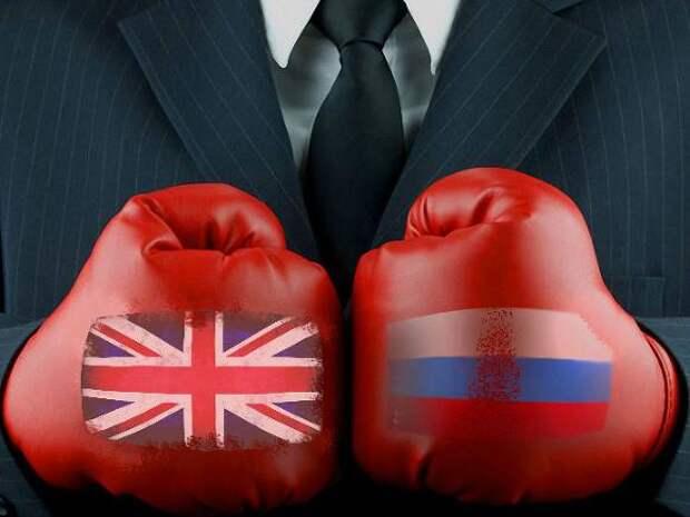 «Подрывает демократии, безопасность и атакует»: Британия выступила с обвинениями в адрес России