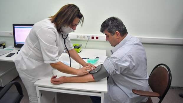 Роспотребнадзор прокомментировал появление жара после прививки от COVID-19