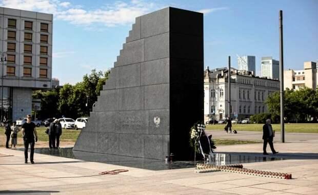 Сторонники абортов осквернили памятник жертвам Смоленской авиакатастрофы