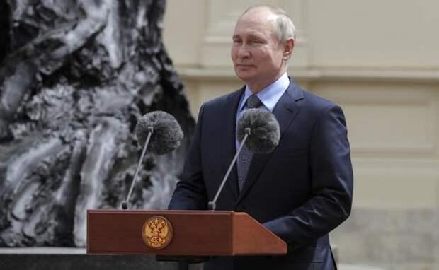 Президент РФ Путин заявил, что Россия должна помогать остальным странам в борьбе с COVID-19
