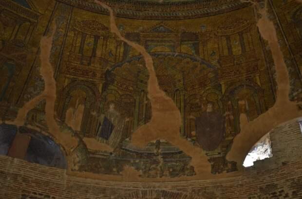 Детали интерьера Ротонды. \ Фото: google.com.