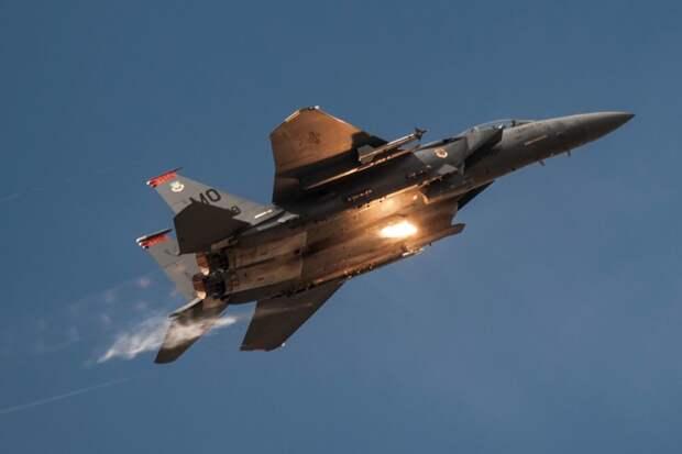 Новейшая версия истребителя F-15EX совершила первый полет