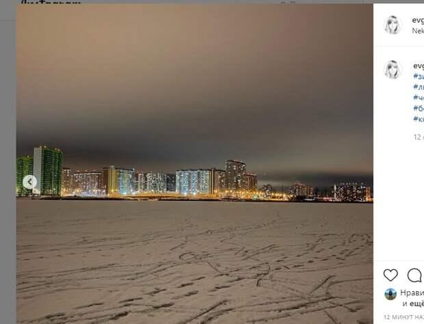 Фото дня: яркие огни у Черного озера