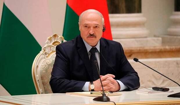Белорусы высмеяли посетившего СИЗО Лукашенко: Просил советы, как выжить в тюрьме