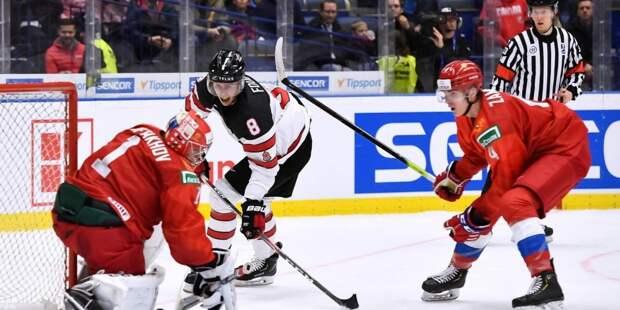 Российские хоккеисты ответили канадцу, отказавшемуся снять шлем во время гимна РФ
