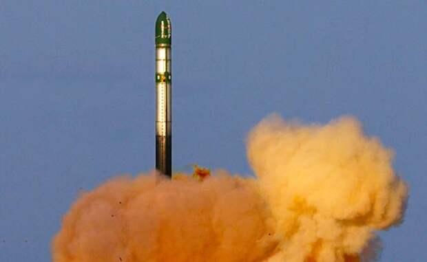 На фото: пуск баллистической ракеты «Воевода» (по западной классификации — SS-18 «Сатана»)