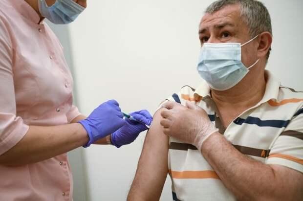 В России более 10 млн человек прошли вакцинацию от COVD-19