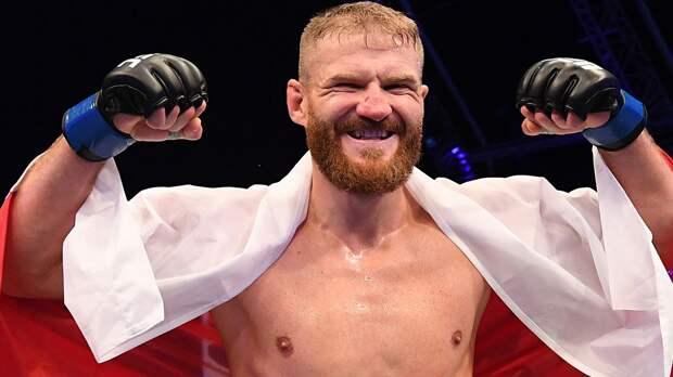 Чемпион UFC Блахович готов драться с Джонсом или Нганну в тяжелом весе