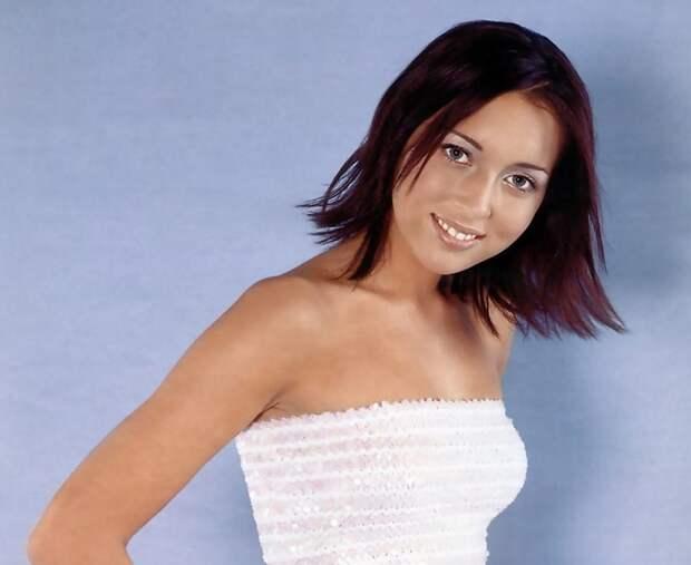 Рождение трех деток пошло ей на пользу! Посмотри, как выглядит популярная певица 90-х Алсу.