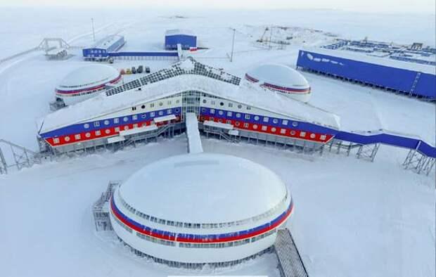 Западным журналистам показали жильё русских военных в Арктике