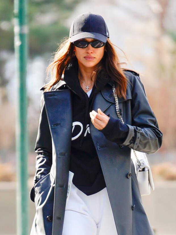 В честь похолодания: 5 способов носить кожаную куртку от Ирины Шейк