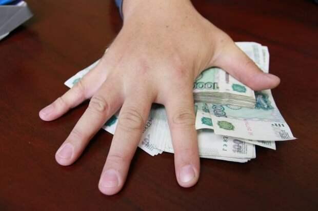 Реальные зарплаты россиян в мае выросли на 3,3% в годовом выражени