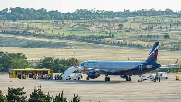 Оперштаб РФ сообщил о возобновлении чартерных и регулярных рейсов в Турцию