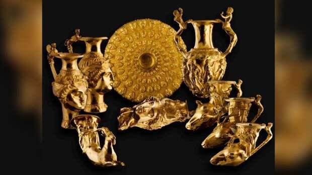 Уникальные драгоценности XII века представили на выставке в Болгарии