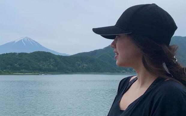 Алина Загитова выложила фото на фоне вулкана Фудзияма