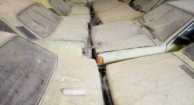В сарае под Рио-де-Жанейро обнаружили 90 Chevrolet из 90-х годов
