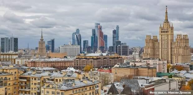 В Москве на несанкционированном митинге начались провокации против полиции. Фото: М. Денисов mos.ru