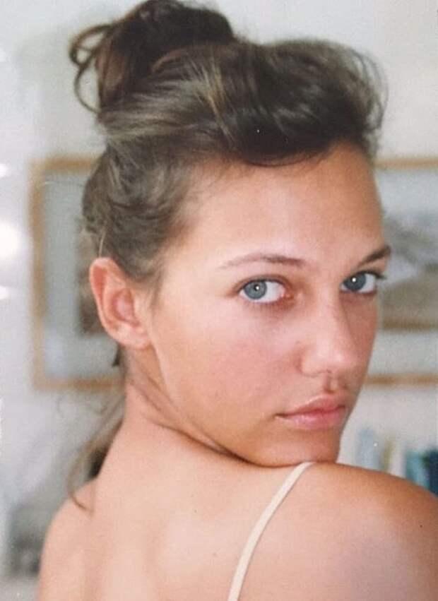 Мерьем Узерли из «Великолепного века» показала, как выглядела в 20 лет. Ее просто не узнать...