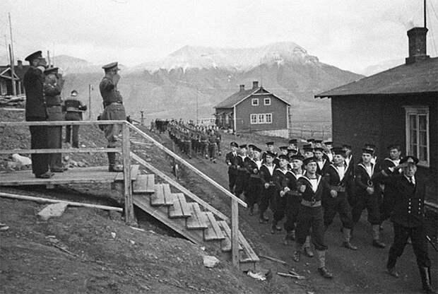 Как канадцы спасли 2000 советских граждан в Арктике