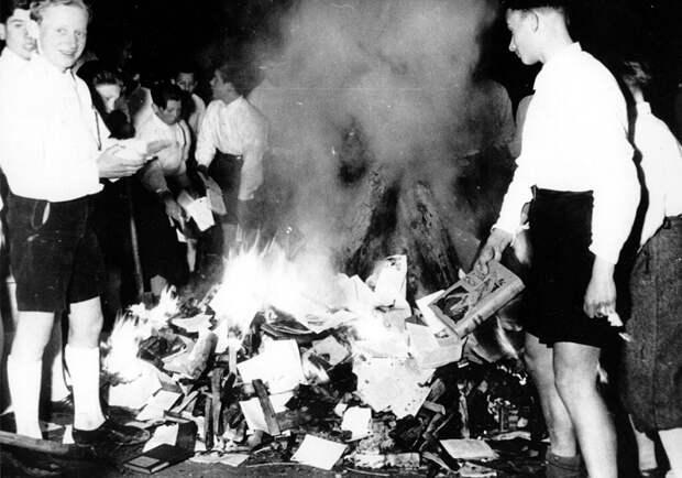 Уничтоженные авторами, их женами, мужьями и пожарами. Путеводитель по книгам, которые больше нельзя прочесть