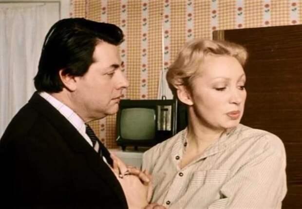 Кадр из фильма *Самая обаятельная и привлекательная*, 1985 | Фото: kino-teatr.ru