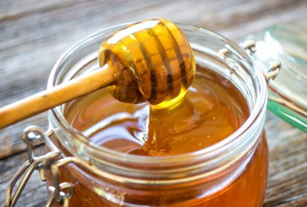 В правильных условиях мед можно хранить годы / Фото: hyser.com.ua