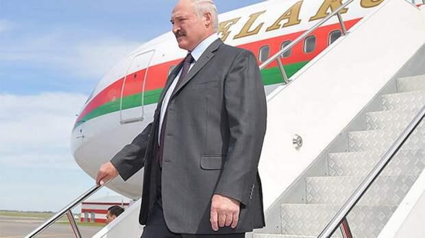Украина не пропустила самолет Лукашенко через свою территорию