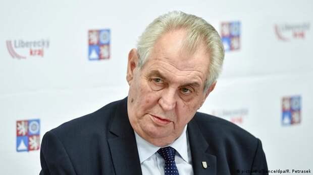 Земан считает ошибкой включение Чехии в список недружественных стран в РФ