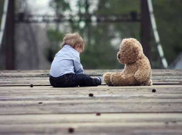 Ученые установили, что суровое воспитание влияет на развитие мозга ребенка