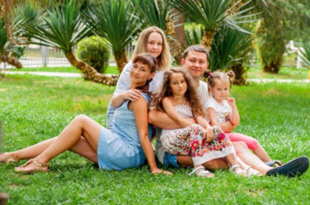 В преддверии дня семьи, любви и верности рассказываем о семье сотрудников ОВД из Челябинской области