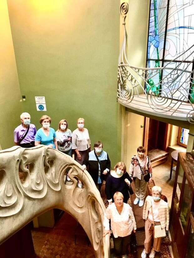 Пенсионеры из Савеловского посетили музей — квартиру Максима Горького