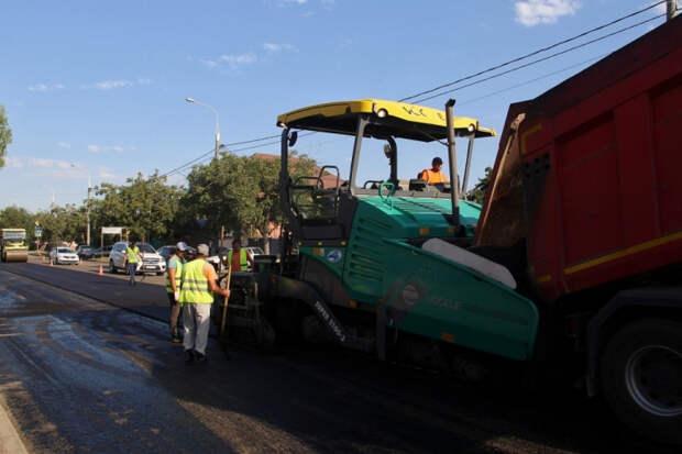 В Краснодаре досрочно отремонтируют улицу Адыгейская Набережная