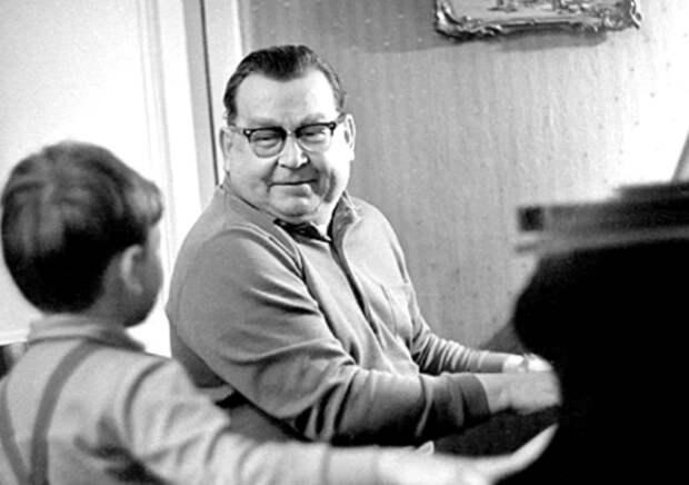 Как родились «Подмосковные вечера», или Почему советские авторы попали в книгу рекордов Гиннесса