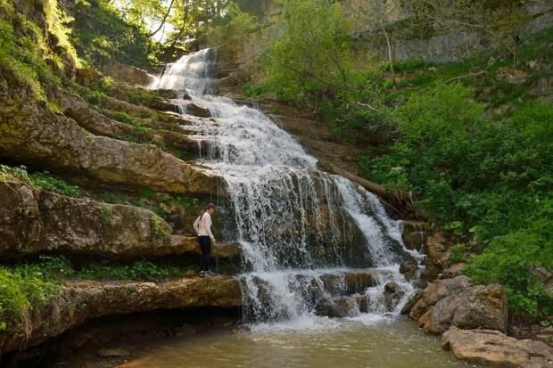Водопад в верховьях реки Курджипс