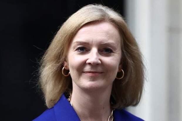 Главу МИД Британии отправили в отставку