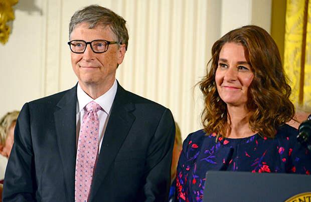 WSJ назвала причиной развода Билла и Мелинды Гейтс встречи основателя Microsoft с Джеффри Эпштейном