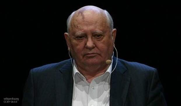 Гордон рассказал, как Ельцин с Кравчуком и Шушкевичем выносили «приговор» СССР