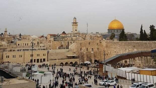 Больше 200 человек получили травмы при обрушении трибуны синагоги в Израиле