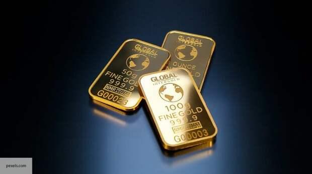 В Канаде объяснили, зачем Великобритания скупает золото России