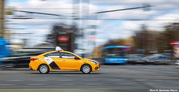 Собянин выделил средства организаторам бесплатной перевозки врачей на такси. Фото: М.Денисов, mos.ru