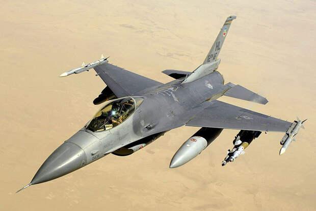 США разозлили испытания С-400 на истребителях F-16 в Турции